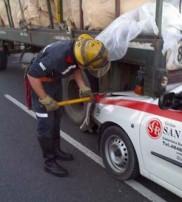 Los bomberos debieron utilizar tijeras hidráulicas.