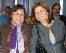 Aída Holtz, con la diputada Patricia Bullrich.