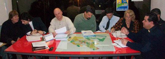 La mesa del Foro Vecinal de Seguridad, en la noche del miércoles 29.