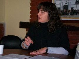 La defensora del Pueblo, en la conferencia de prensa.