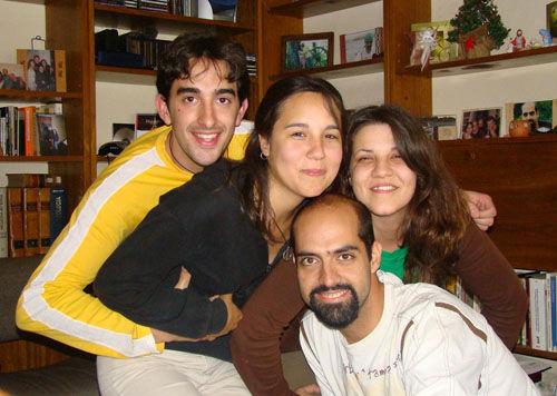 Hay equipo: Rosendo, Pérez y Melina y Mayra Navarro