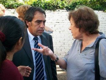 María Ester Buffa dialogando con el Intendente.