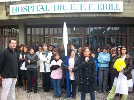 Los médicos del Erill, este viernes, en el acto.