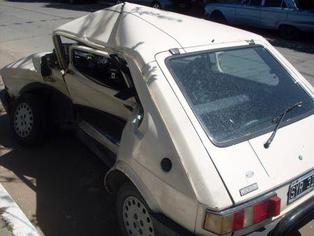 El Fiat 147 en el que viajaba la joven Pilaría.