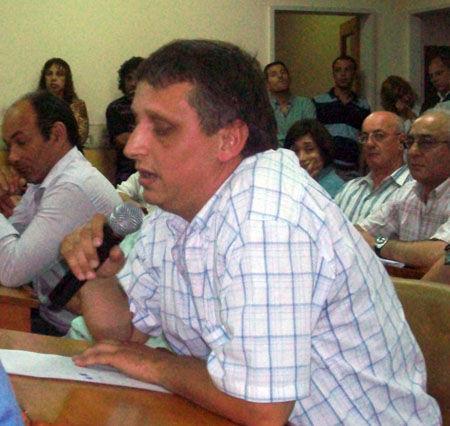 Luis Balbi, junto al bloque vecinalista, votó contra el incremento tributario.