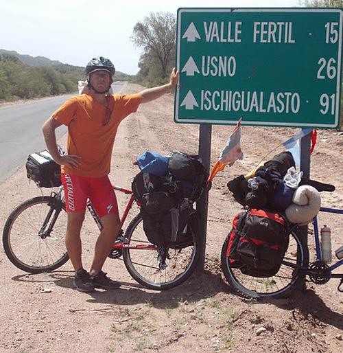 José Luis Ponce, en una parada para documentar el trayecto.