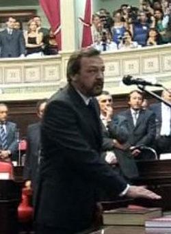 Costa, en diciembre, al asumir por segunda vez como senador provincial.