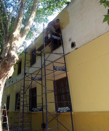 Durante el último sábado, la escuela renovó su aspecto exterior.