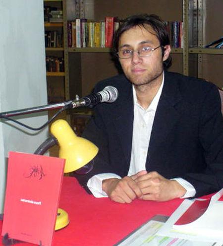 Mattos presentó su libro en la biblioteca Illia.