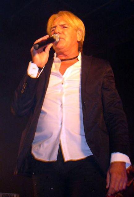 Denis demostró su vigencia en el escenario de Escobar.