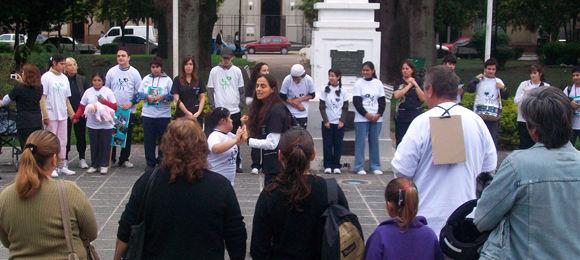 El inicio de los festejos fue en la plaza San Martín, desde donde partió la caminata hasta Coprovi.