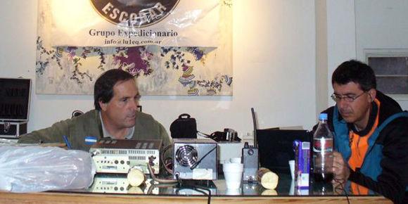 El Radio Club de Escobar, presidido por Luis Solari, compartió sus comunicaciones en el museo municipal.