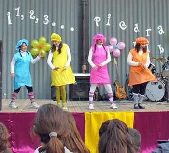 Baile y color en el Centro Cultural de Matheu.