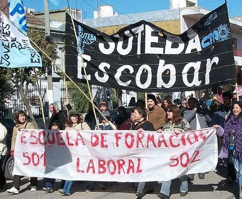 Además de docentes, participaron de la marcha organizaciones sociales.