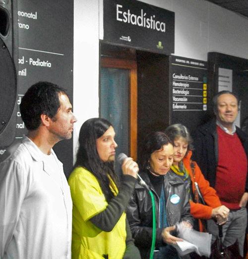 Representantes de distintos servicios hospitalarios tomaron el micrófono para exponer los problemas del Erill.