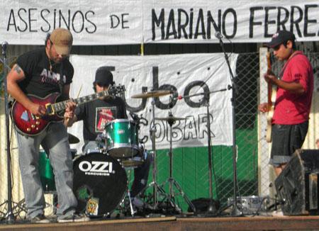 Spunky, Puerco Chino y Legión Infernal fueron las tres bandas locales que animaron el recital.