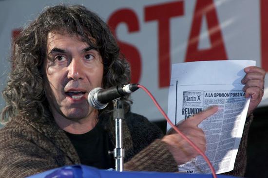 """""""Hay 125 pruebas penales contra Patti"""", sostuvo Llonto."""