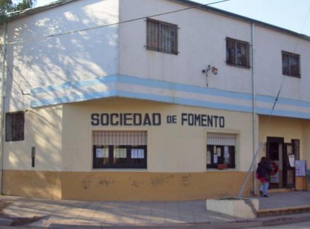 El edificio de la Fomento, en la esquina de Fernández y Maipú.