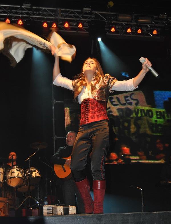 """Soledad revolea el poncho, un clásico en """"A Don Ata""""."""