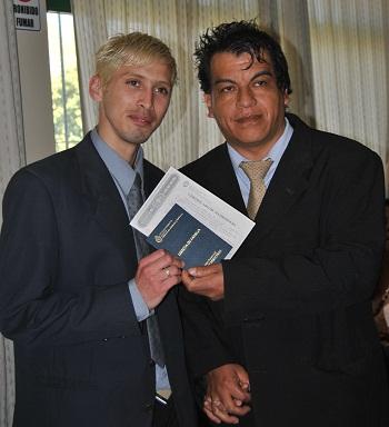 Cristrian y Walter, el año pasado, en el Registro Civil.