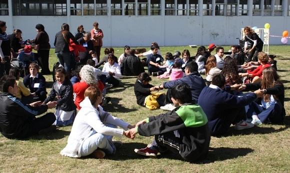 En el polideportivo municipal se realizaron juegos y talleres recreativos de integración.