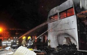 Se incendi en gar n una f brica textil de juan carlos - San carlos textil ...