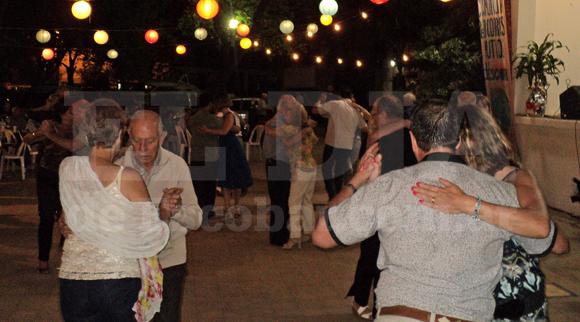 Concierto de tango y bailongo en la Sociedad Cosmopolita - El Día de Escobar