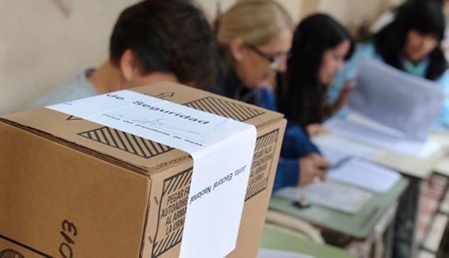 Primera sección. Sujarchuk fue el 10º candidato más votado del FPV, mientras que Costa no alcanzó ese privilegio.