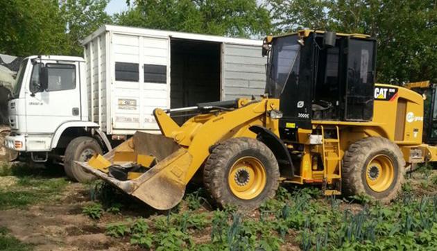 Positivo. En el allanamiento La Policía encontró una máquina vial y dos de los camiones utilizados durante el millonario golpe comando.