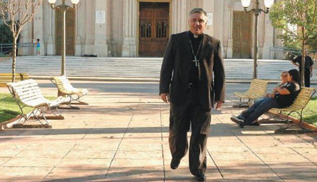 Renuncia. Envuelto en un mar de sospechas, el obispo de Zárate-Campana decidió dar un paso al costado.