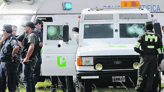 FEROCIDAD-POLICIAS-ASALTANTES-DISPARARON-CAMION_CLAIMA20101223_0031_33