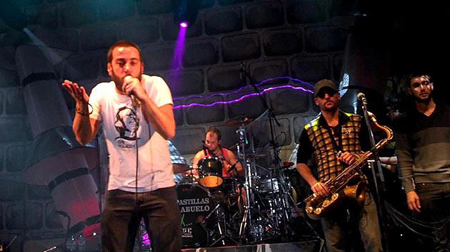 """De gira. El popular grupo liderado por Juan """"Piti"""" Fernández llega a Escobar para presentar Paradojas, su último CD."""